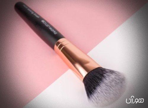 10 ابزار آرایشی که باید در خانه داشته باشید